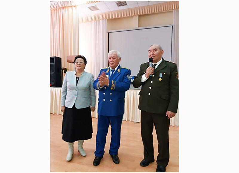 ЛЕВ ТОЛСТОЙҒА РОМАН АРНАҒАН ҚАЗАҚ